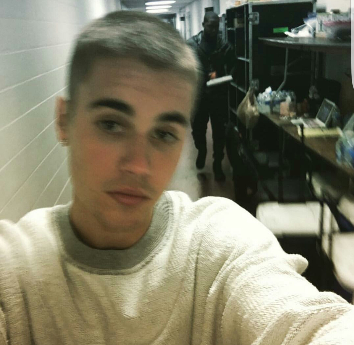 Screenshot_20160429-234338 Justin Bieber shows off his new hairstyle