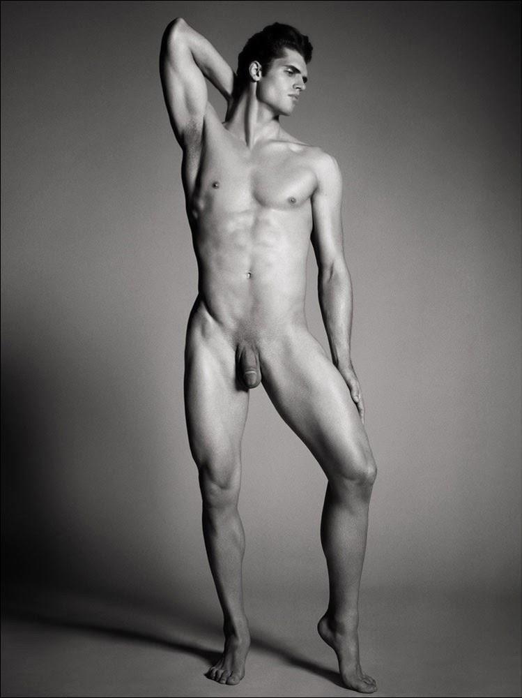 картинки голых мужчин полностью часто такие ситуации
