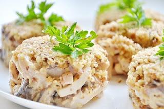 orekhovyj-salat-s-kalmarami