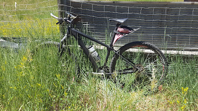 large FenderBag on small 29nr mountain bike frame