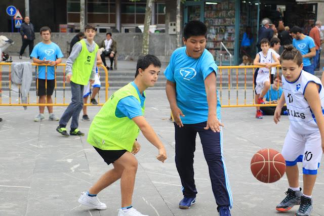 Jornadas de deporte entre niños con diversidad funcional de la asociación Haszten
