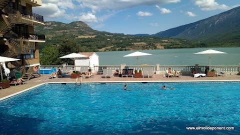 La piscina del hotel Terradets