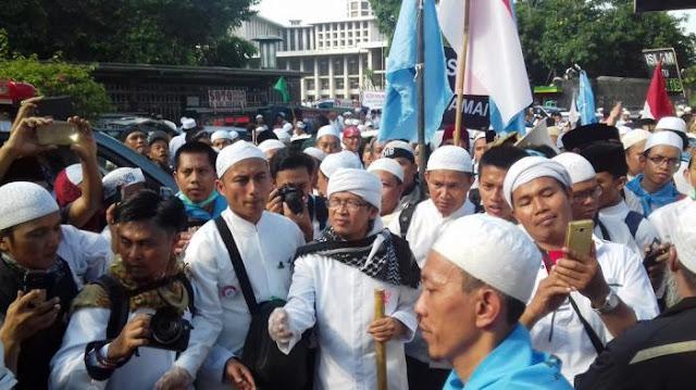 Aa Gym tentang Aksi 4 November 2016: Kenapa Jokowi Malah Fokus Aksi Demo Bukan Sumber Masalah?