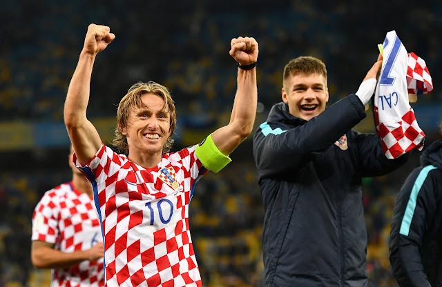 Sai lầm chết người khiến Hy Lạp thua đậm Croatia