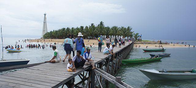 Wisata Pulau Beras Basah Bontang.