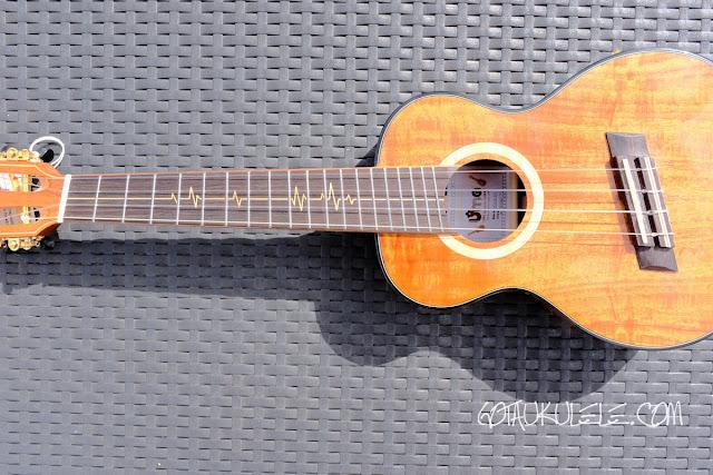 Uma Puls KC ukulele fan frets