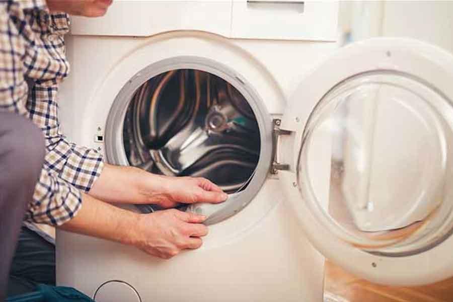 Bersihkan Bagian Luar Pada Mesin Cuci