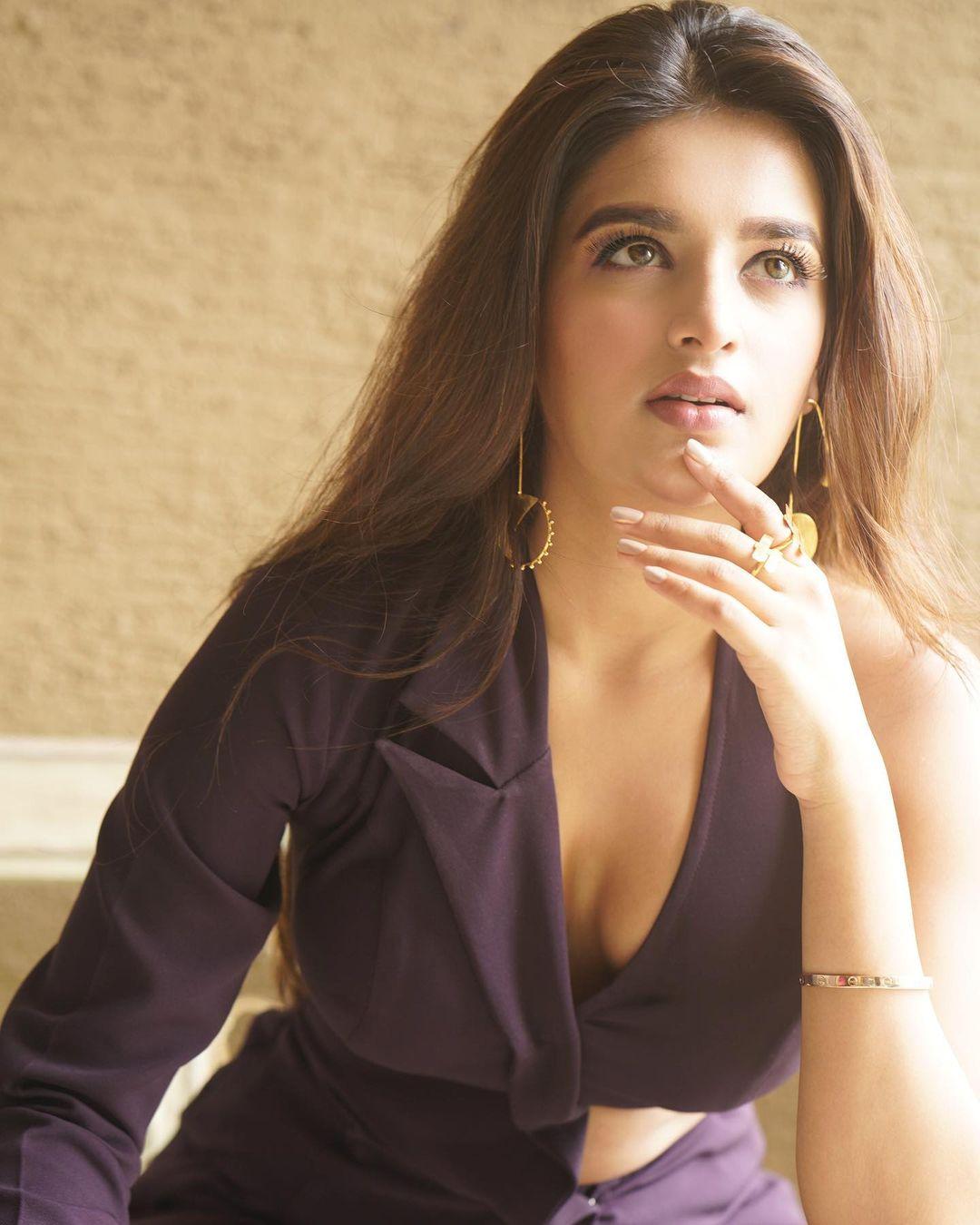 Tamil Actress Nidhi Agarwal (Nidhhi Agerwal) New Photoshoot Image