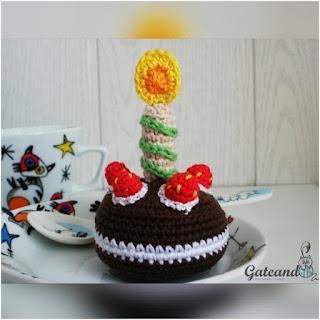 patron amigurumi Torta de cumpleaños gateando