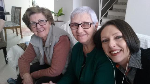 Minha tia com minha mãe e eu!