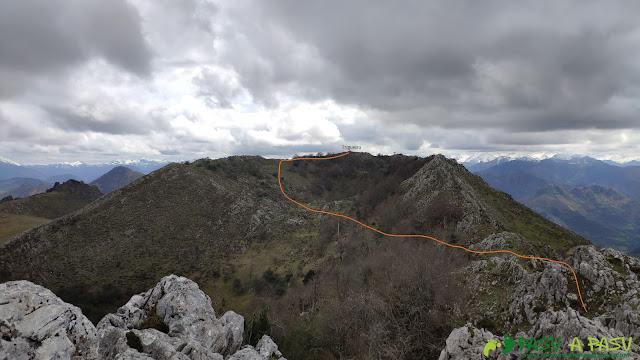 Camino al Pico Trigueiro, Sierra de Peña Mayor