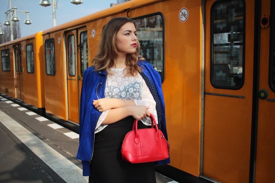 FASHION OUTFIT POST BERLIN U BAHN