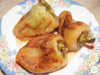 Salata de ardei gras copt  cu otet si usturoi reteta salate de casa,