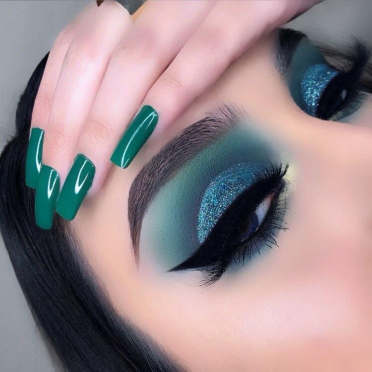 Maquiagem sombra verde glitter carnaval