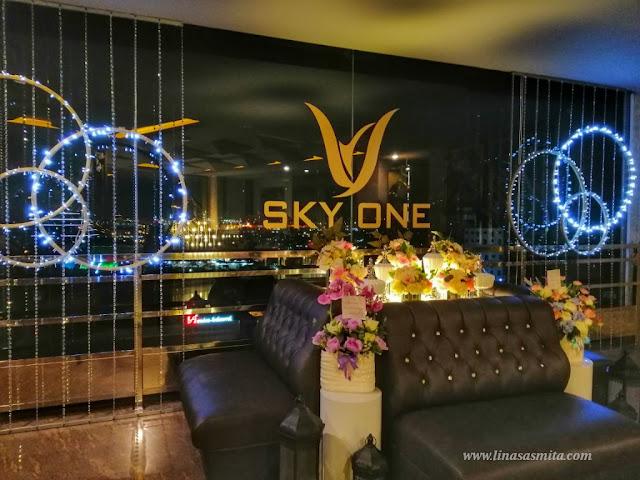 Sky One Lounge