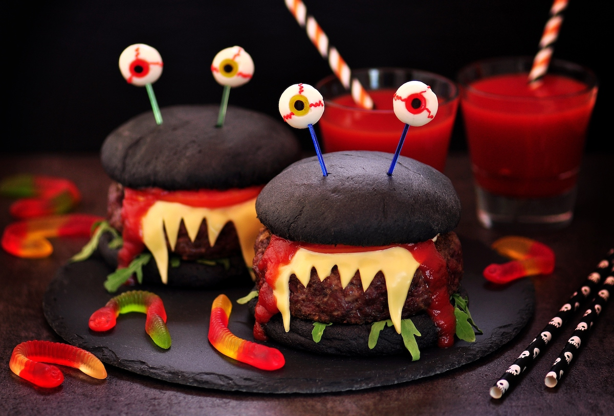 Hamburguesa para halloween monstruosa