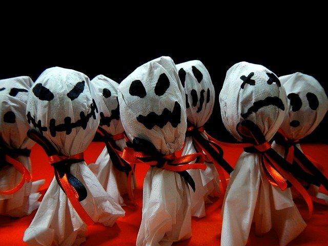 halloween game ideas ghost hunt