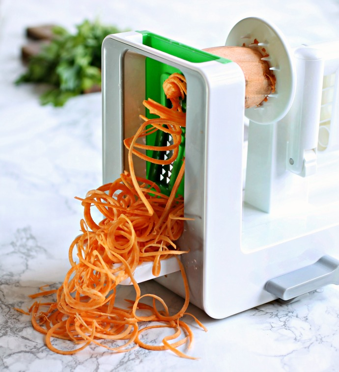 Recipe for spiralized and sauteed white and sweet potatoes with za'atar.