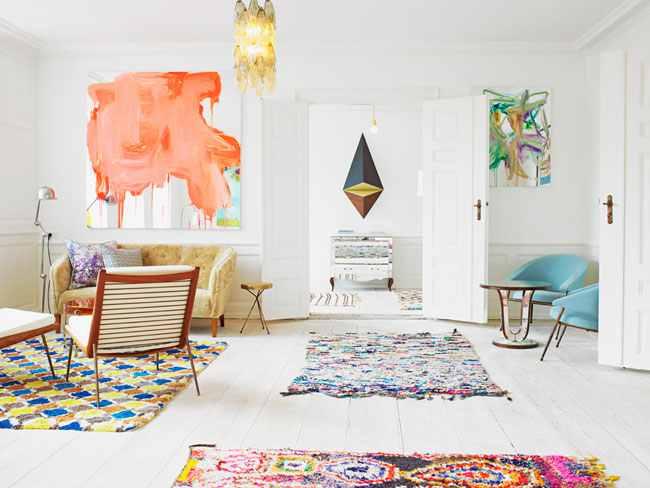 White walls bright art