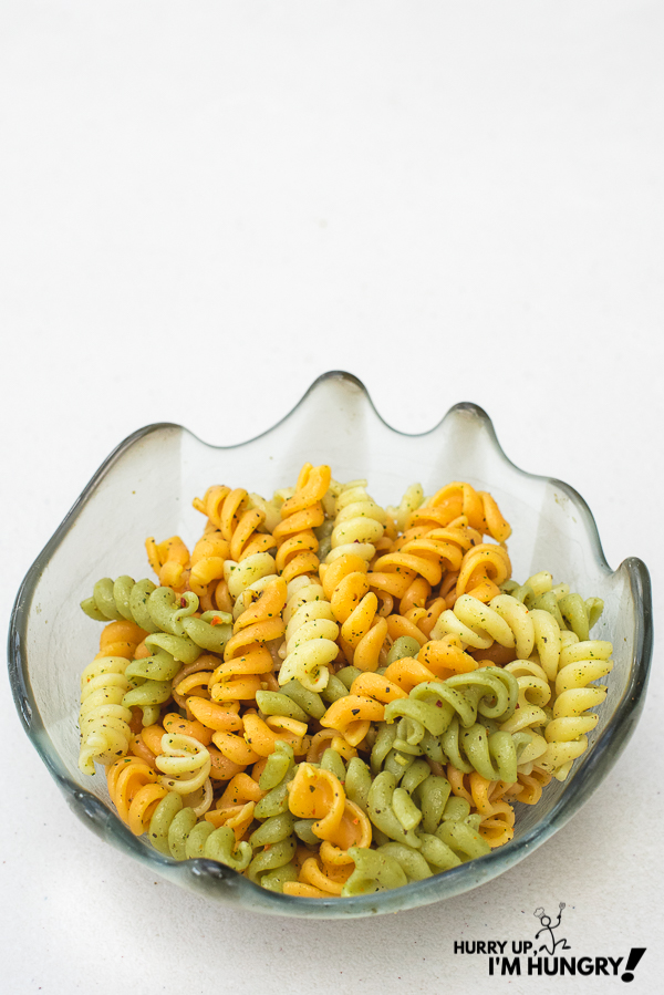 How to cook rotini pasta with olive oil and herbs