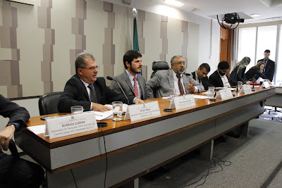Em audiência no Senado, CSB afirma que reforma trabalhista viola convenção da OIT