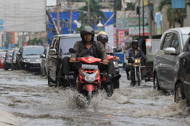Medan Sering Hujan, Anggota DPRD Medan Ingatkan Hal Ini ke Dinas PU