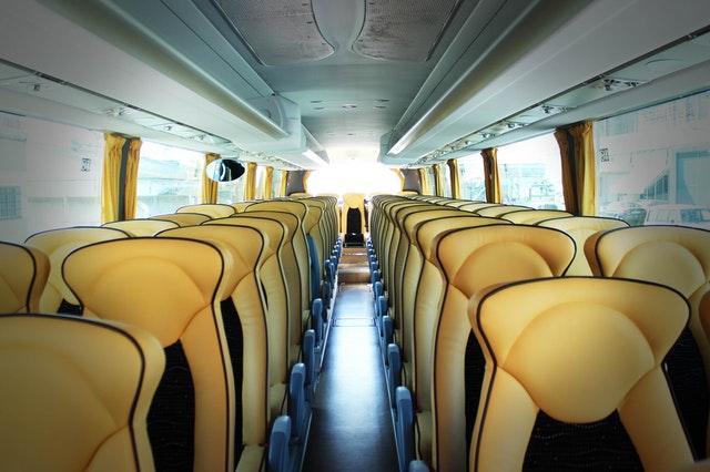 jumlah kursi bus pariwisata
