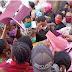 Warga Kota Sorong Dobrak Pintu Dinas Koperasi Serahkan Berkas BLT UMKM