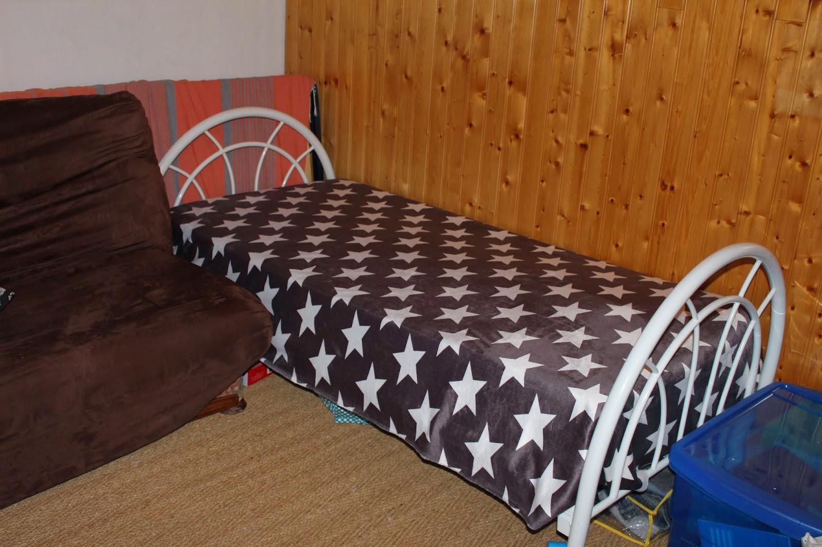 plaid. Black Bedroom Furniture Sets. Home Design Ideas