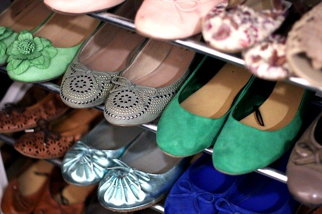 Clever DIY Storage For Your Flat Shoes