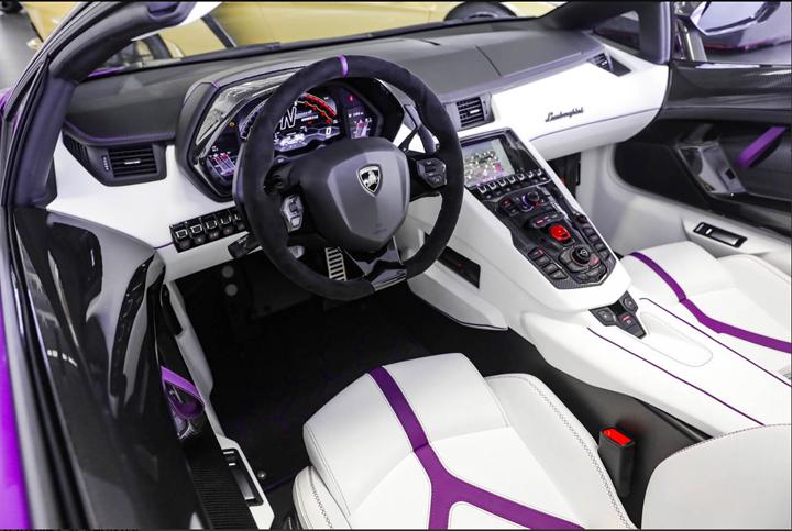 Lamborghini Aventador SVJ Roadster siêu độc chào hàng đại gia Việt: Màu sơn dị, nội thất được lột bỏ làm mới hoàn toàn