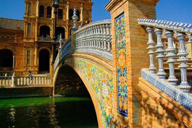 ponte-plaza-de-espana-siviglia-poracci-in-viaggio