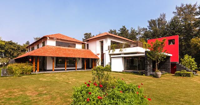 Luxurious Spacious Farm House Design by Kumar Moorthy & Associates