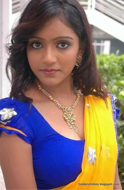 South Indian actress Keerthi HOT cleavage show in half saree