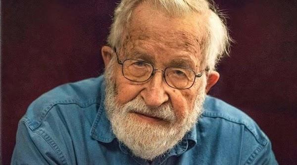 Noam Chomsky : Votar por Trump es peor que votar por Hitler