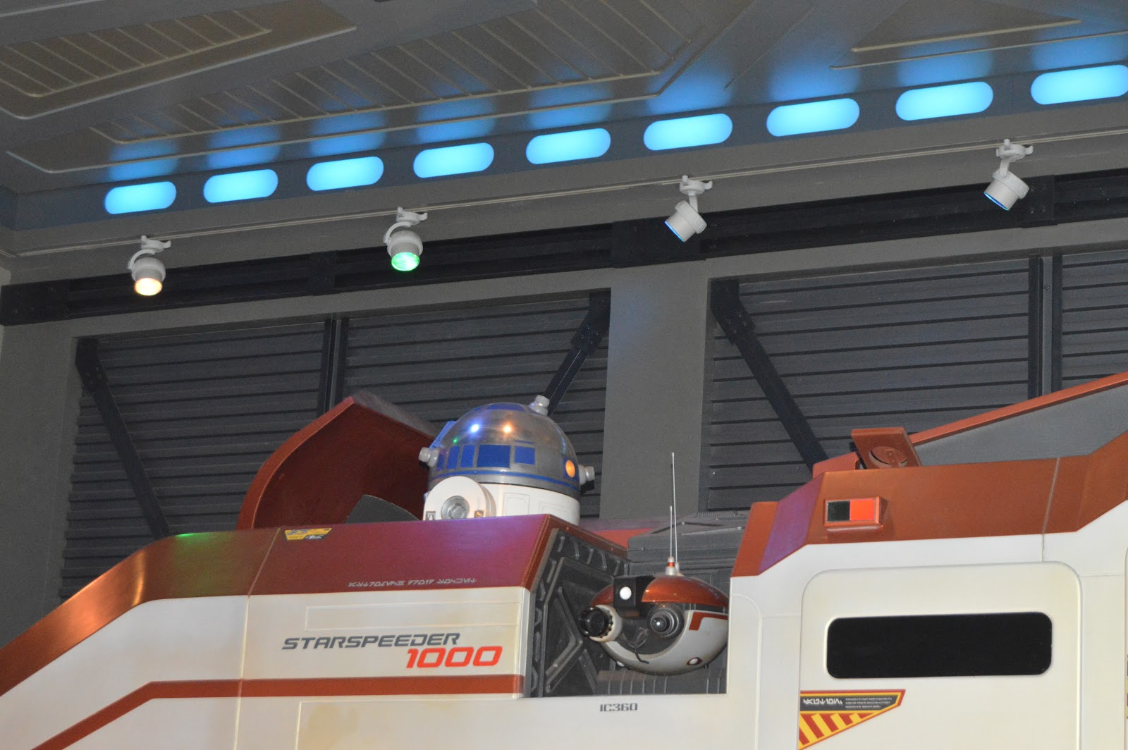 inside Star Tours - The Adventures Continue
