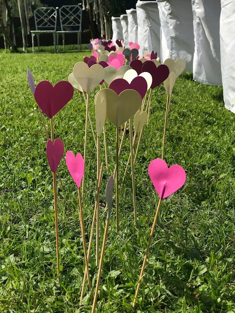 Gartenstecker in Herzform, Hippie, Traumfänger, Hochzeit unter freiem Himmel, freie Trauung, Bergwiese, Garmisch-Partenkirchen, Riessersee Hotel, Berghochzeit in Bayern