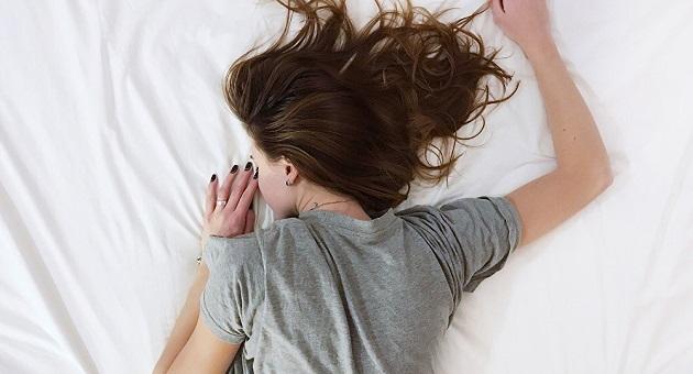 Ποιοι κοιμούνται καλύτερα: Να πώς θα έχεις ξεκούραστο ύπνο