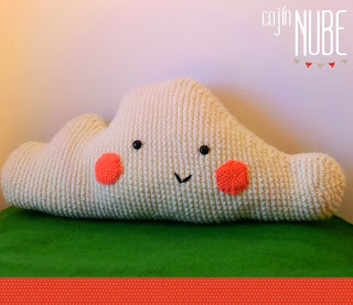http://ohvillo.blogspot.com.es/2012/09/cojin-nube-de-amigurumi.html?m=1