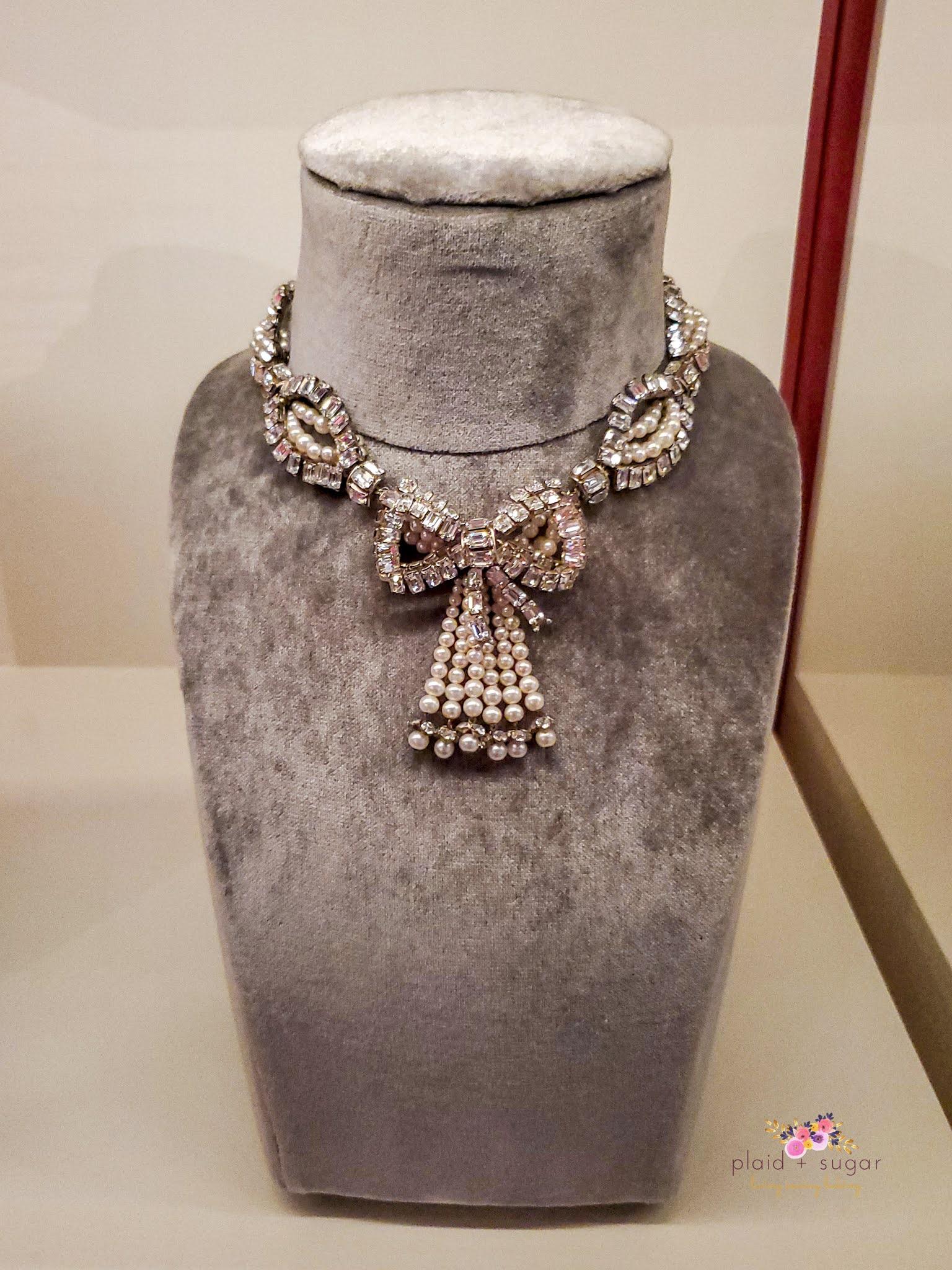 Dior Diamond bow chocker exhibited the McCord Museum