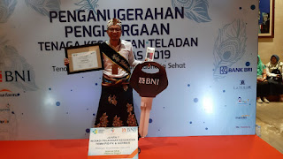dr. Sapto Sutardi berhasil meraih penghargaan tingkat nasional tenaga kesehatan teladan puskesmas se-Indonesia