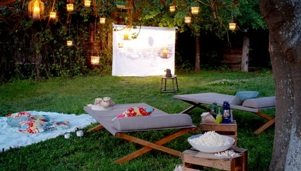 Easy DIY Outdoor Cinema in The Garden - Home Garden Cinema 7