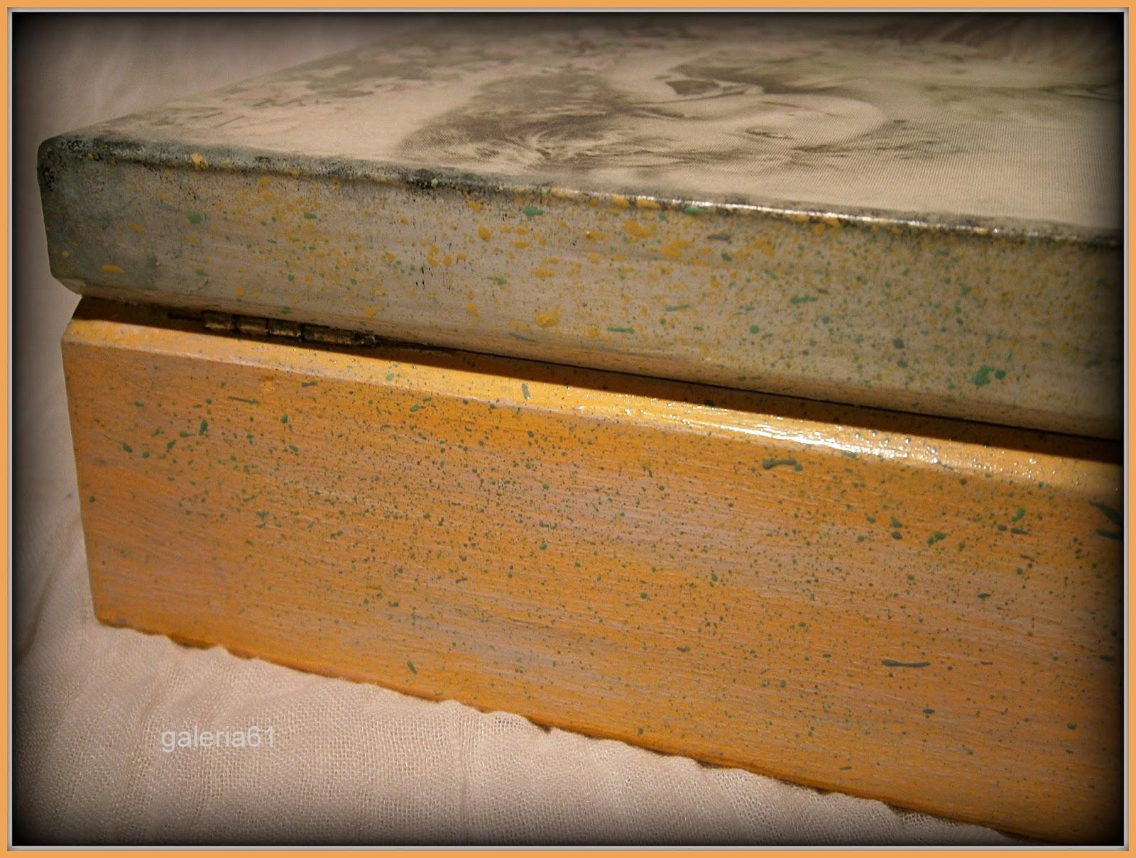 Szkatułka decoupage w stylu vintage, pastelowa