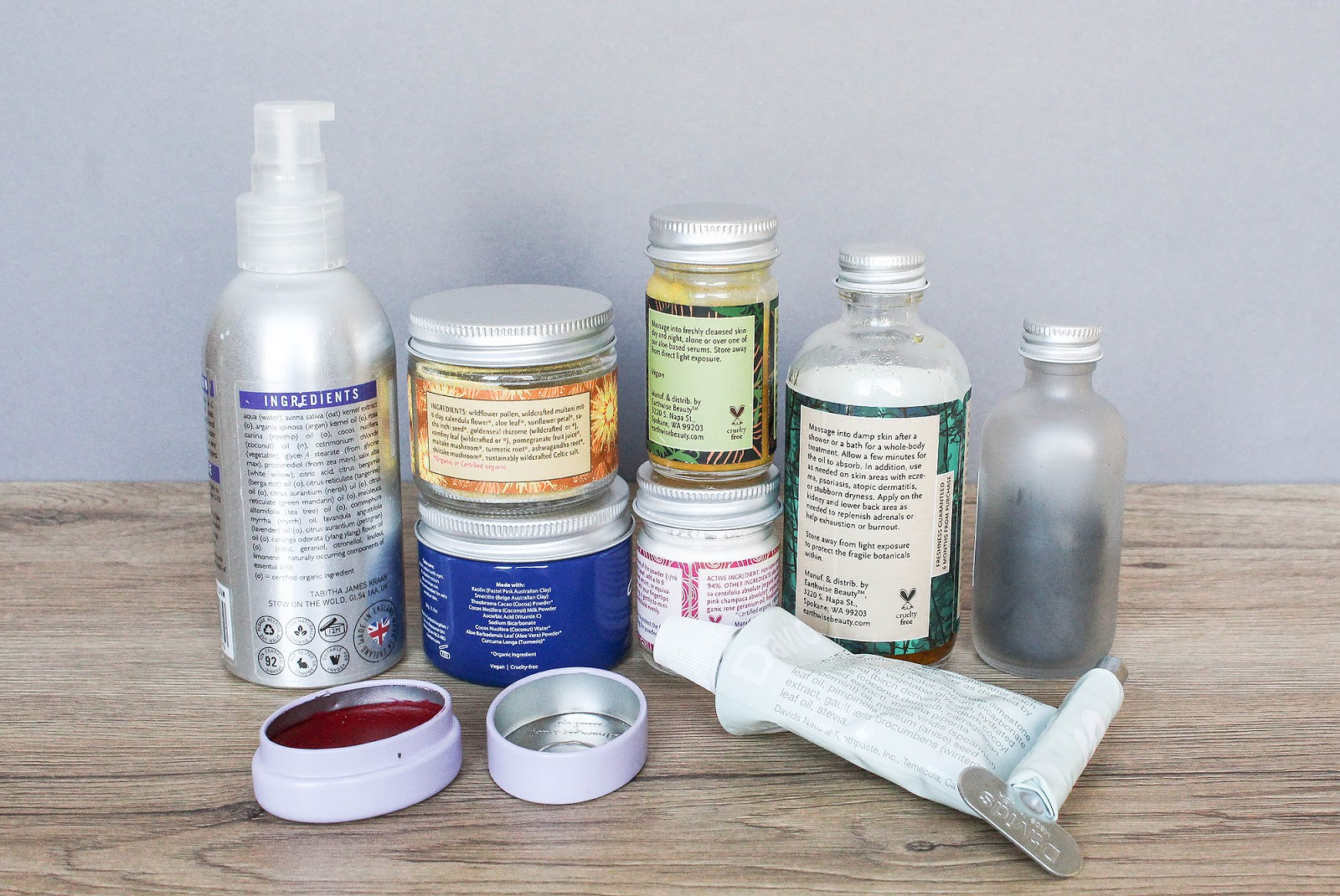 Glass packaging, aluminium lids. Eco-friendly packaging.