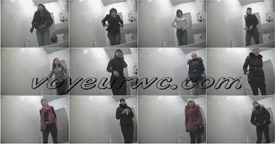 Voyeur-Russian WC 110316-31