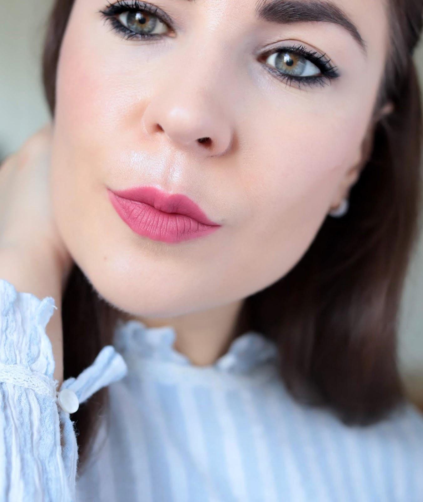 Dear Dahlia Lip Mousse Rouge A Lèvres Mat Sangria revue