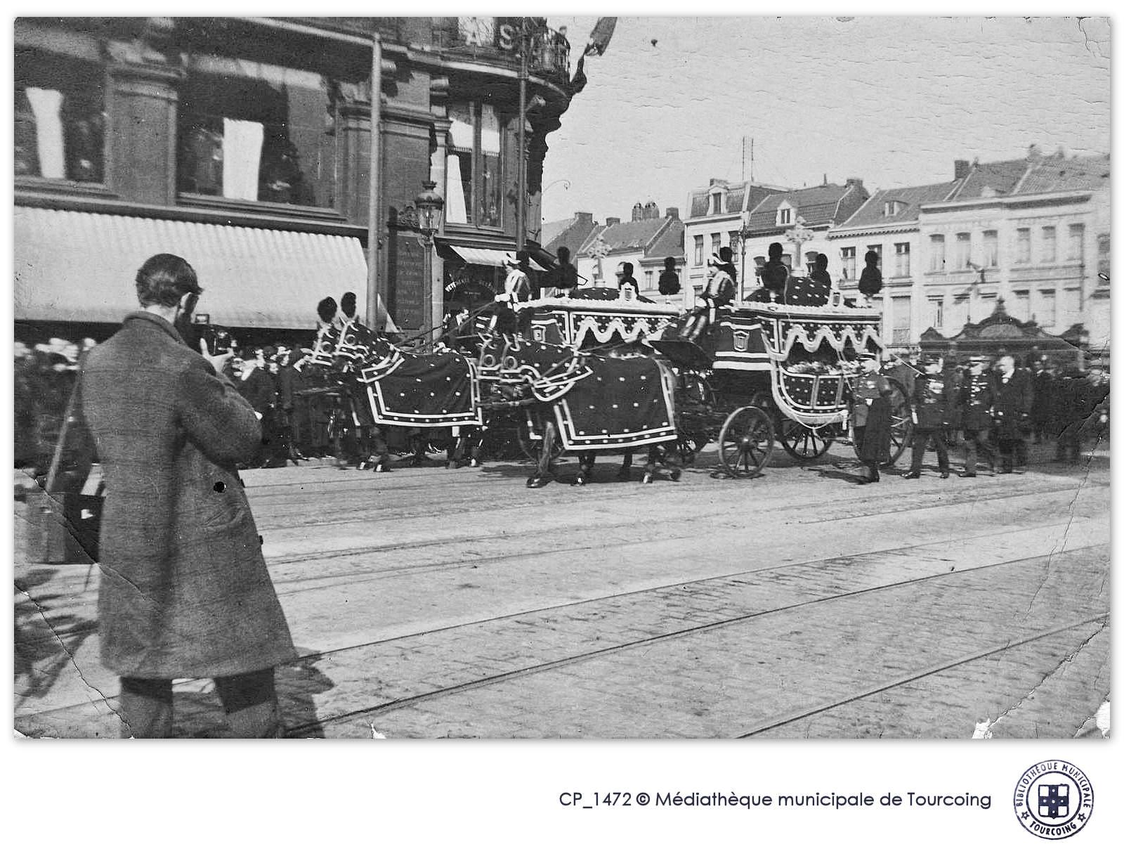 Photographie ancienne - Obsèques Pompiers morts au feu, Tourcoing.