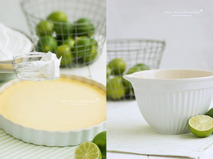 Eischnee Baiser auf Limetten Kuchen verteilen