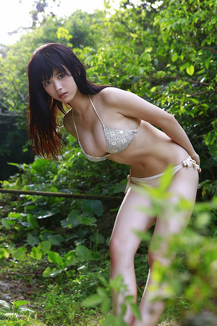 馬場ふみか Baba Fumika Bikini In Forest Photos 4