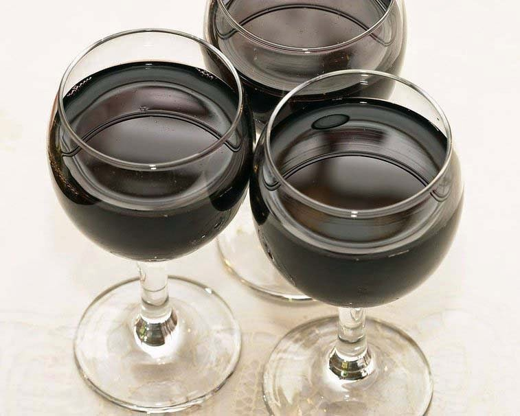 three-glass-of-wine-hd-walpaper